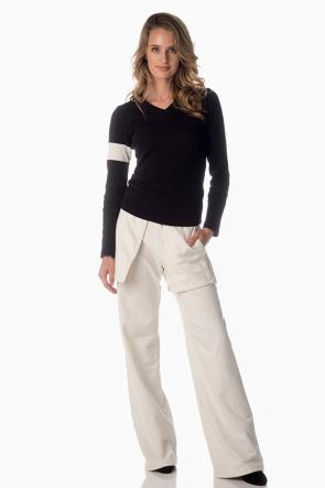The Floating Pocket Pant with V-Neck Pullover