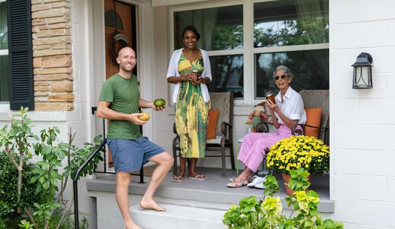 Rob Greenfield sharing homegrown food with neighbors in Orlando, Florida.